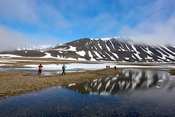 AroundSpitsbergen_mountain-copy