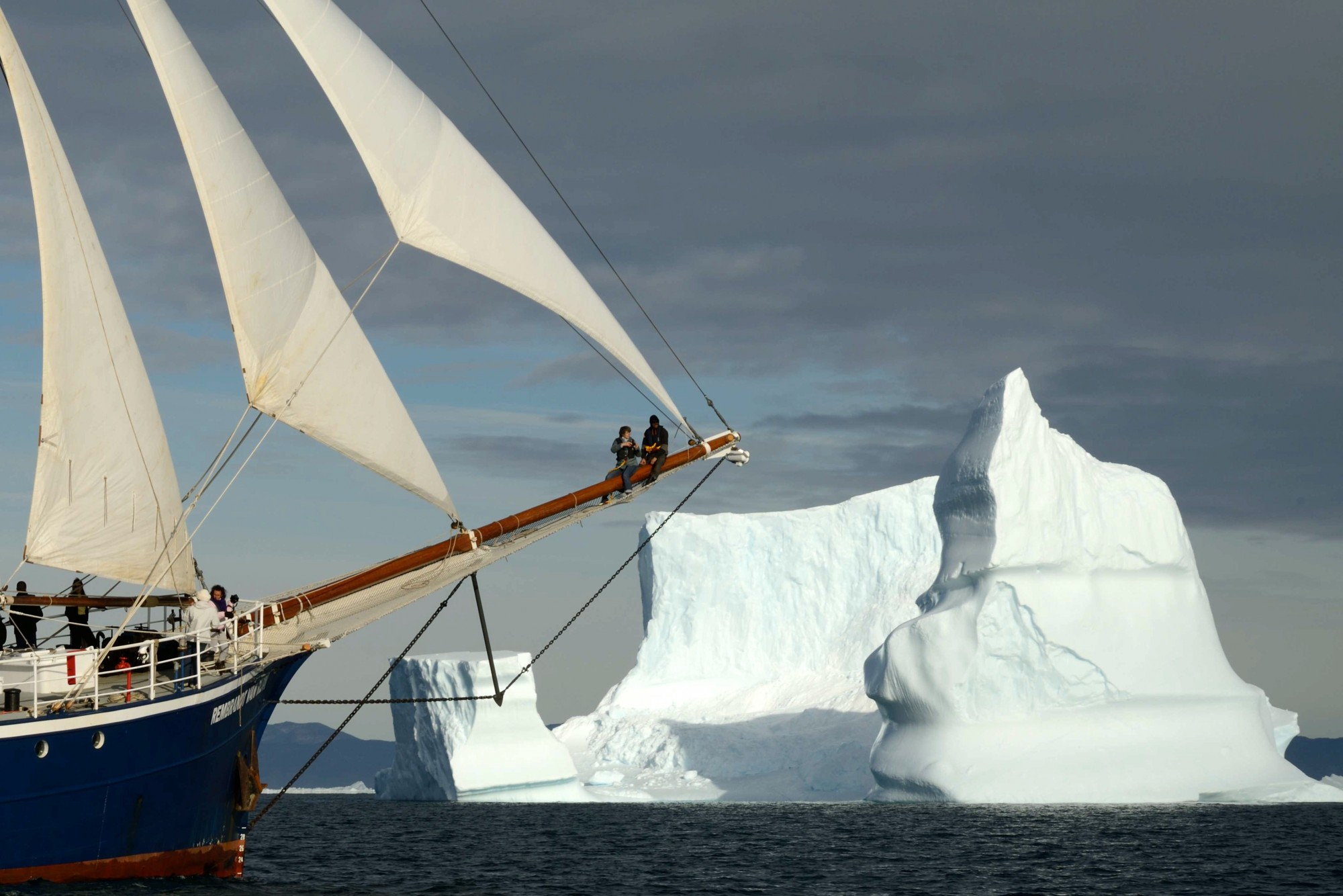 rvr_under_sail_greenland_3_-c-tarik_chekchak-oceanwide_expeditions.jpg